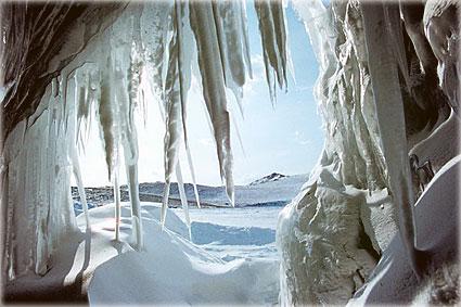 Байкал - зимний пейзаж